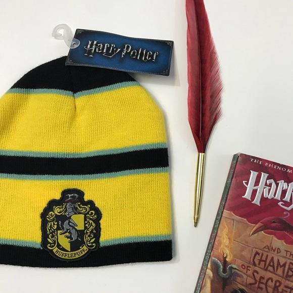 e669827751a ⚡️NWT  Harry Potter  Hufflepuff Winter Hat